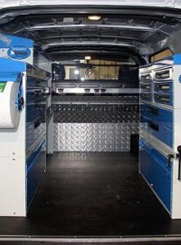 04Van racking with drawer cabinets H1.10346